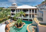 Location vacances Port Douglas - Sonia's at the Regal 1-Bedroom apartment with spa-2