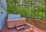 Location vacances Ludlow - Home with Mtn View and Hot Tub, 6 Mi to Echo Lake-2