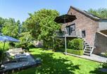 Location vacances Maldegem - Cushy Apartment with Private Terrace, Pond, Heating, Balcony-1