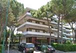 Location vacances  Province d'Udine - Apartment in Lignano 40907-2