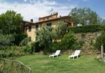 Location vacances  Province de Pistoia - Panoramic Apartment with Private Garden in Lamporecchio-1