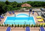 Location vacances  Province du Verbano-Cusio-Ossola - Lovely Apartment in Oggebbio with Swimming Pool-3