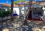 Location vacances Chiclana de la Frontera - Holiday home Calle Mar de Coral-1