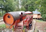 Location vacances Vanne - Les Gites Du Parc Mantoche Le Tonneau-1