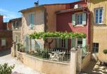 Location vacances Roussillon - Vintage Holiday Home in Provence with Terrace-1