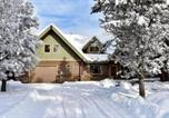 Location vacances McCall - Lazy Deer Landing - Pet-Friendly, Dueling Tubs & Fireplace in Master Bath, Bbq, Games, Walk to Town-3