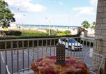 Location vacances  Province de Rimini - Casarava Ceccarini Terrazza Vista Mare-1
