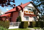 Location vacances Balatonmáriafürdõ - Holiday home in Balatonkeresztur 37078-1