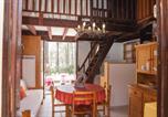 Location vacances  Gironde - Maisonnette donnant sur la Pinède-1