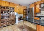 Location vacances  Palence - Lavish Villa in Villamuriel de Cerrato with Swimming Pool-3