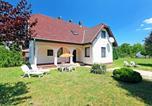 Location vacances Balatonszárszó - Holiday Home Balaton H2074-1