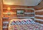 Location vacances Hot Springs - Remodeled Hill City '1910 Log Cabin' w/Grill, Deck-4