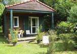Location vacances  Rhône - Holiday home Les Portes Du Beaujolais 1-1