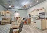 Location vacances Tulsa - Convenient Family-Friendly Home - 20 Min to Tulsa!-1