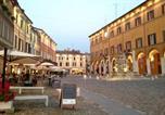 Location vacances  Province de Forlì-Césène - Residenza Leon D'Oro-1