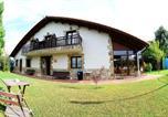 Location vacances Ribamontán al Monte - La Wave Surf House & School-1