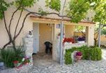 Location vacances Nin - Apartments Red Rose-1