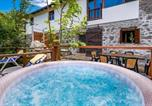 Location vacances Brinje - Awesome home in Jezerane w/ Wifi and 4 Bedrooms-1