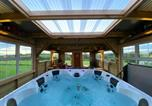 Location vacances Omagh - Sleeps 12 / hot tub / cinema / pets welcome-1