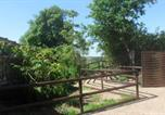 Location vacances Montrollet - Vallee des Chenes Chambre d'hotes-1