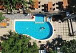 Location vacances  Province de Catanzaro - Apartment with one bedroom in Badolato with wonderful sea view shared pool enclosed garden-1