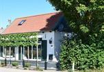 Location vacances Nieuwvliet - Cosy Holiday Home in Schoondijke with Terrace-1