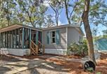 Location vacances Hinesville - The Lodge at Colonels Island with Screened Porch!-1