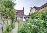 Location vacances Crowhurst - Cozy Holiday home in Sedlescombe Kent with Private Parking-1