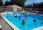 Camping avec Piscine Saint-Julien-des-Landes - Camping Le Roc -2