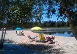 Camping avec Site nature Celles - Camping La Rochade-1