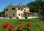 Location vacances Montefalcone Appennino - Croce Rossa Villa Sleeps 12 Pool Wifi-1