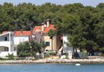 Location vacances Veli Rat - Apartment Verunic 8103b-1