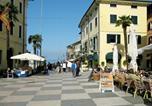 Location vacances  Province de Vérone - Residenz Sole del Garda 300s-2