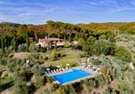 Location vacances Chiusi - Popoltaio-Schiacciato Villa Sleeps 4 Pool T762697-1