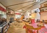 Location vacances Dillard - Cabin On the Rock Sky Valley Resort Home by Golf-3