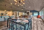 Location vacances Montgomery - Lakehouse with Fire Pit, Boat Launch and Hot Tub!-2