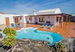 Location vacances El Islote - Casa Lola Lanzarote piscina climatizada y wifi free-1