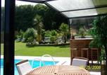 Location vacances Girondelle - Quaint Chalet with Private Pool in Lesneven-4