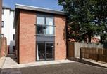 Location vacances Cheltenham - Saracens Courtyard Apartments-2