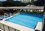 Location vacances Castell-Platja d'Aro - Apartaments Rosapark-1