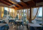 Location vacances Pineto - Room in Bb - Spacious triple room a stones throw from the sea-2