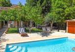 Location vacances Escorca - Caimari Villa Sleeps 6 Pool Air Con Wifi-1