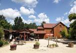 Camping avec Piscine couverte / chauffée Domme - Camping Les Deux Vallées-2