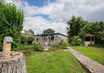 Location vacances Brunssum - Serene Bungalow in Landgraaf with Terrace and Nature Garden-1