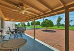 Location vacances Glendale - New Luxe Sun City Home w/Yard on South Golf Course-2
