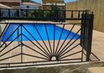 Location vacances Fiñana - Chalet with 5 bedrooms in Cogollos de Guadix with wonderful mountain view private pool enclosed garden 31 km from the slopes-2