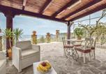Location vacances Castellabate - Two-Bedroom Holiday Home in Castellabate -Sa--1