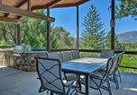 Location vacances Oakhurst - Oasis with Hot Tub and Mtn View, 19 Mi to Yosemite-3