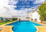 Location vacances Cuevas del Becerro - Awesome home in Cañete la Real w/ Outdoor swimming pool, Outdoor swimming pool and 5 Bedrooms-1
