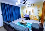 Location vacances Bintan Utara - Desaru Beach & Bandar Penawar Homestay Waterpark Instamass-1